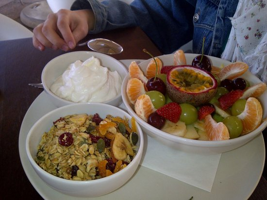 Tashas: Fresh, fruit, nutty muesli and greek yogurt