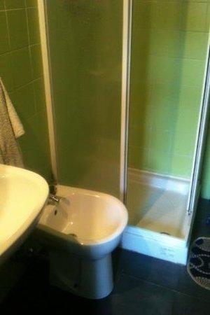 Lunantica : bagno in camera