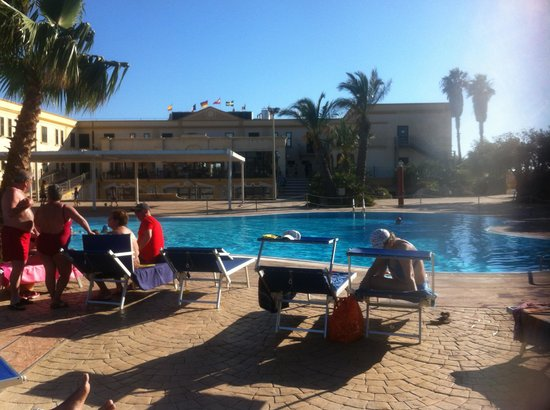 Delfino Beach Hotel: la piscine
