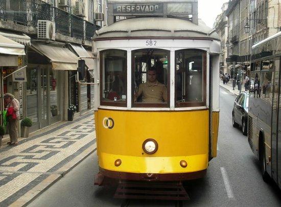 Lisbon Tram & Funicular Network : Our second sightseeing tram 582