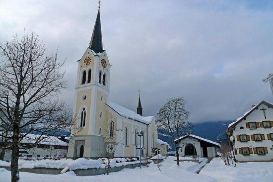 Pfarrkirche Maria Opferung Riezlern