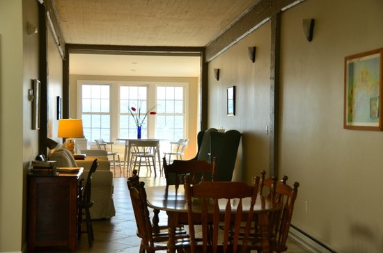 The Inn at the Wharf : Common area.  There is a nice deck just off to the right of the windows.