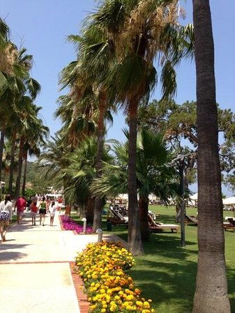 Club Med Kemer: Club Med, Palmiye. walkway to the villagio section