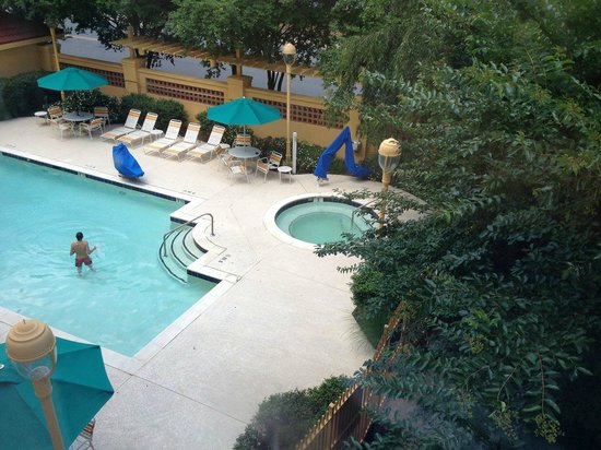 La Quinta Inn & Suites Charlotte Airport South: La Quinta South Airport - Pool and Hot Tub