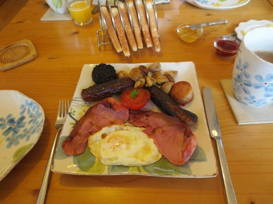 Pinecrest BnB: The Gourmet Breakfast!