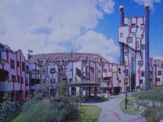 """Hundertwasser-Wohnhaus """"Wohnen unterm Regenturm"""": Etwas Panorama"""