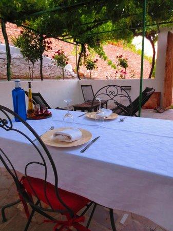 Cortijo La Fe: Dinner on the patio