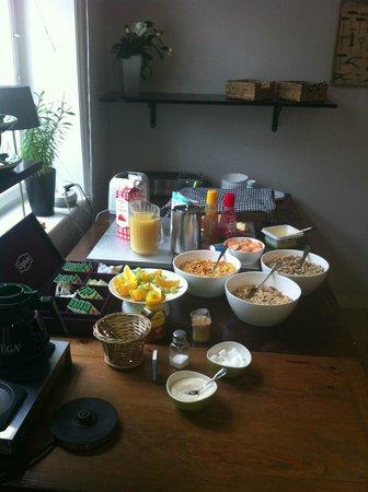 A Marican Hostel & Hotel: Frukostbuffén