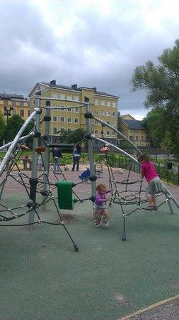Norrköping, Svezia: Lek/vattenparken runt hörnet från hotellet