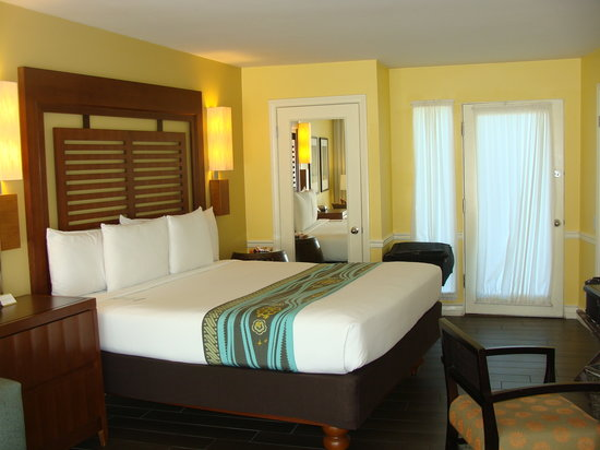 Paradise Point Resort & Spa: roomy bedroom