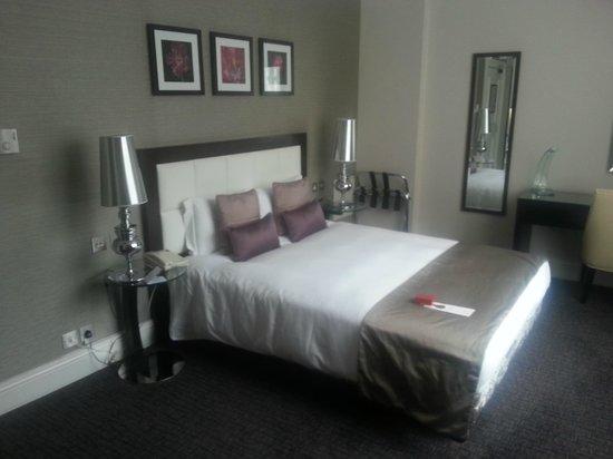 Chamberlain Hotel: Large, bright room