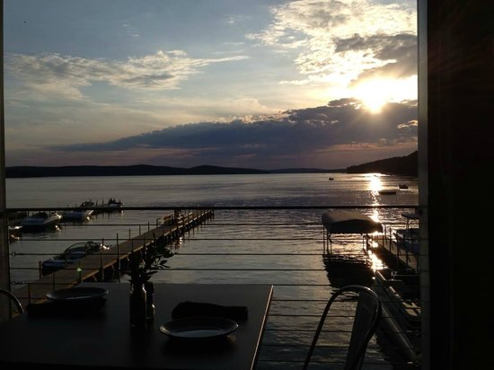 Walloon Lake, MI: The view down the lake from the dining room at Barrell Back!