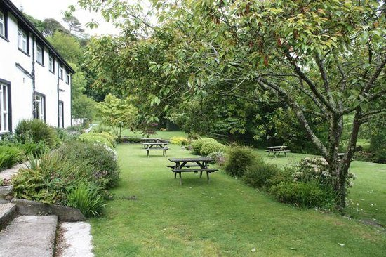 The Lagg Hotel: The garden between Lagg Hotel and the burn