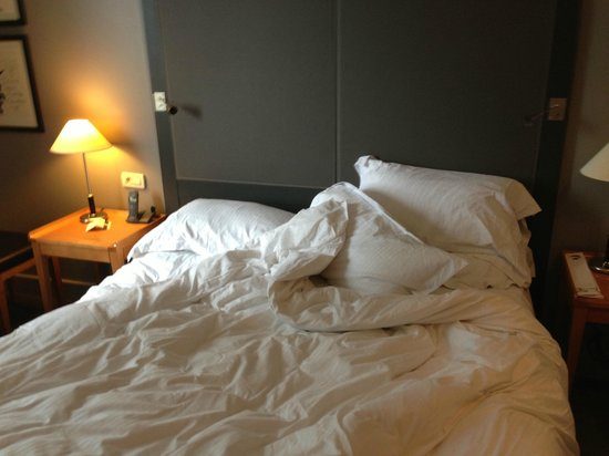 Pullman Paris La Defense: bed