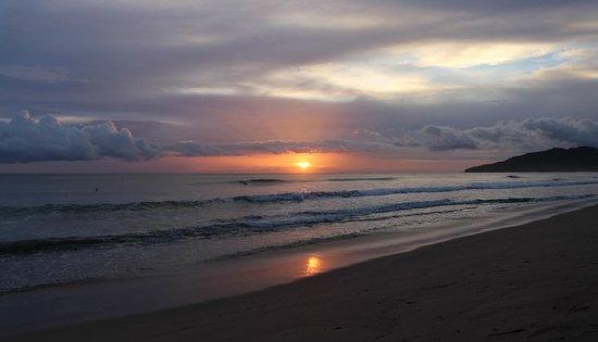 Hotel Cantarana : Sunset at Playa Grande