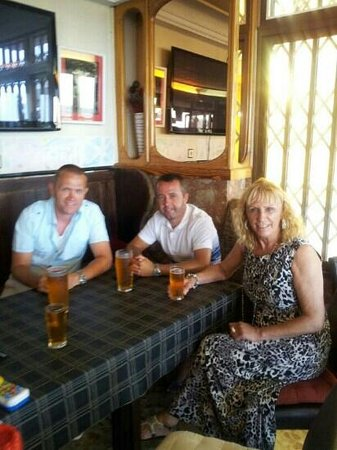 7 Palms Restaurant and Bar: us having a cold cider