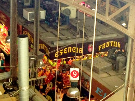Exe Ramblas Boqueria: When you look down from the private balcony you look straight into the market. So much fun.