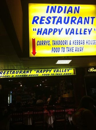 Happy Valley Indian Restaurant : skøn og billig gid indisk mad får du serveret her...
