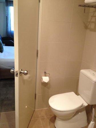Mantra Bunbury Hotel: toilet