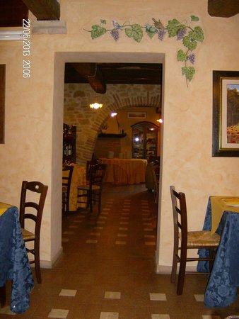 Agriturismo La Casella : Una delle sale del ristorante