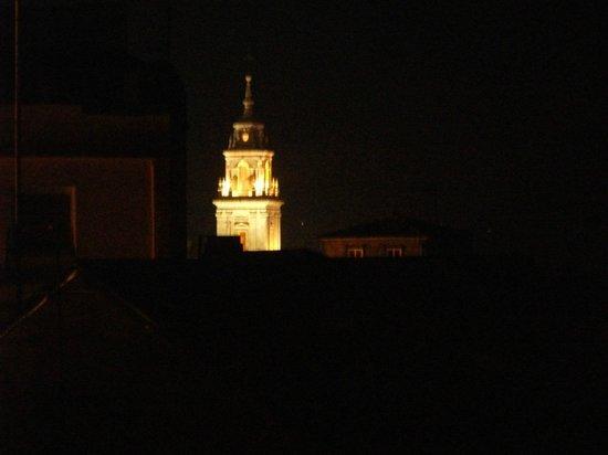 Hotel Mendez Nunez: Vista de la catedral desde la habitación del Hotel