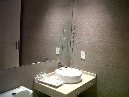 Awwa Suites & Spa: Sector de lavatorio