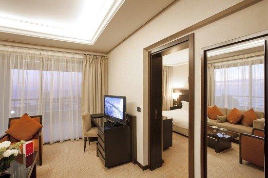 Ramada Plaza Beirut Raouche: The Executive Suite