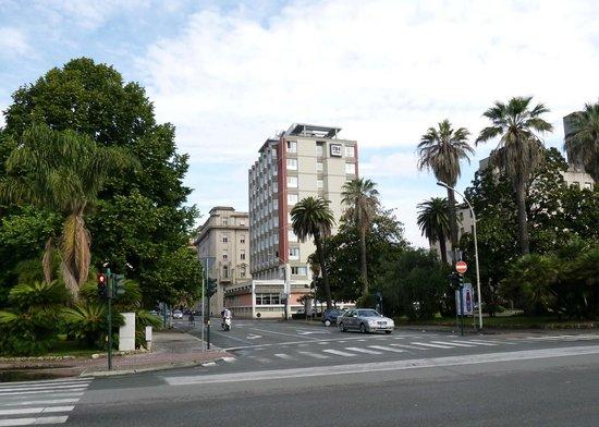 NH La Spezia: Hotel from the sea-front