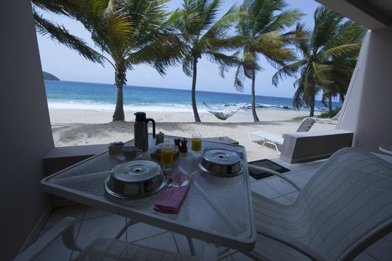 Curtain Bluff Resort: breakfast daily on the patio