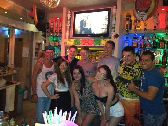 Kastro Beach Apartments: In the bar with the staff
