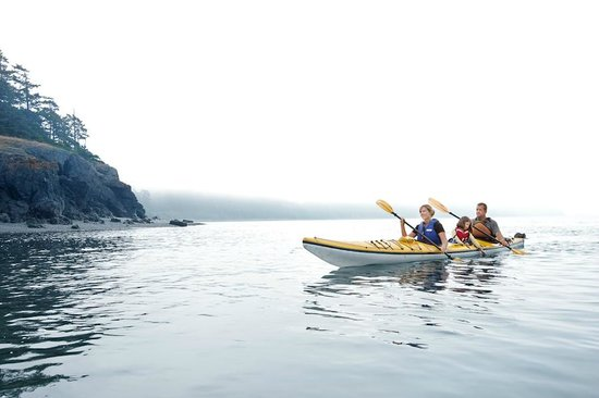 Willows Inn: A family enjoying one of our kayaking excursions with Elakah Expeditions