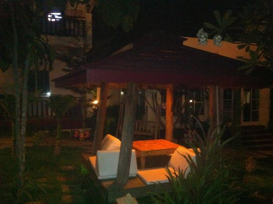 The Lighthouse Resort @ Koh Larn: Night-time