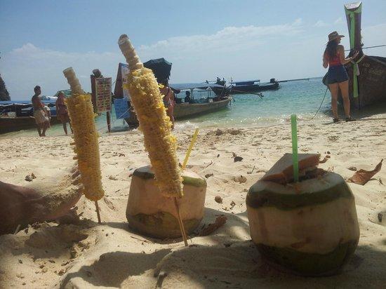 PhraNang Cave Beach : Snack Bars
