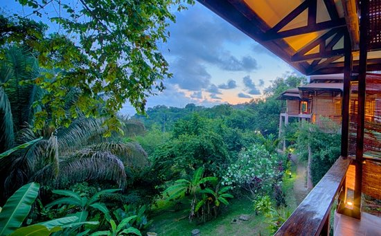 TikiVillas Rainforest Lodge: TikiVillas