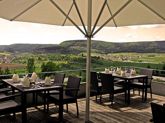 Hotel Hofgut Hohenkarpfen: Terrasse