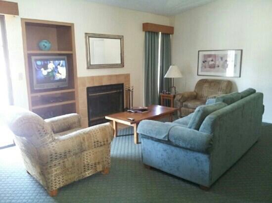 Riviera Oaks Resorts: living room