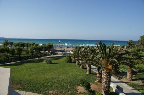 Santa Marina Beach Hotel : plage