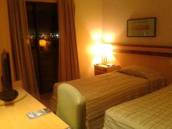 Allia Gran Hotel Brasilia Suites: Camas