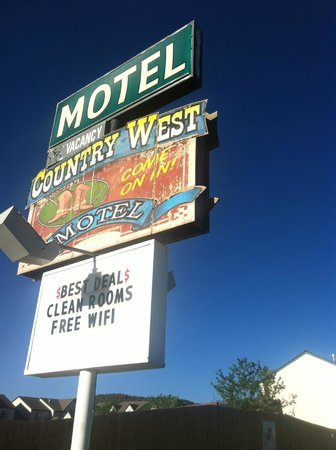 Ms. Kitty's Country Inn: Sign