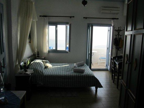 Irini's Villas Resort: Room