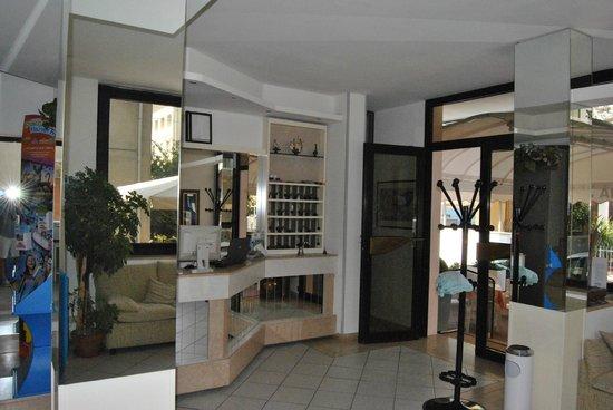 Hotel Fabiana: hall