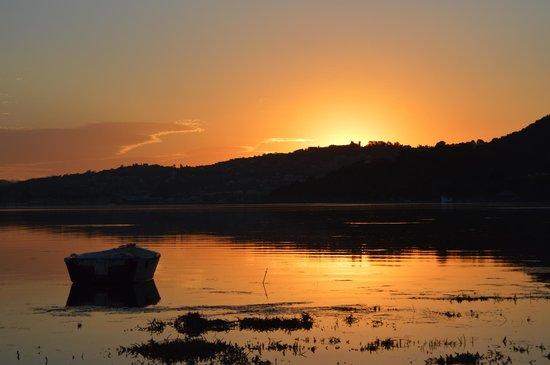 Amanzi Island Lodge : Evening Sunset