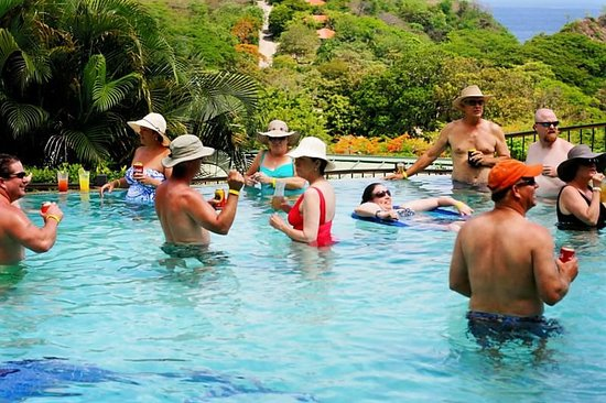 Barefoot Vacation Villas: Water Volleyball