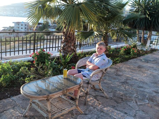 "Hotel Saranda : My kid""s chillout area"