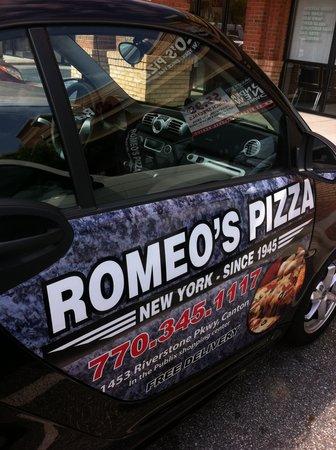 Romeo's Pizza: WE DELIVER!!!