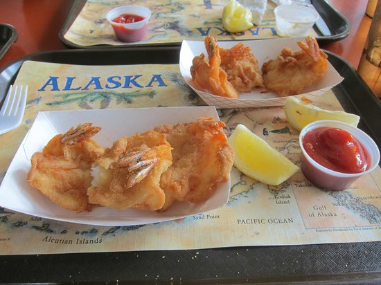 Alaska Halibut House: Prawns, but the halibut was just as good looking and tasty!