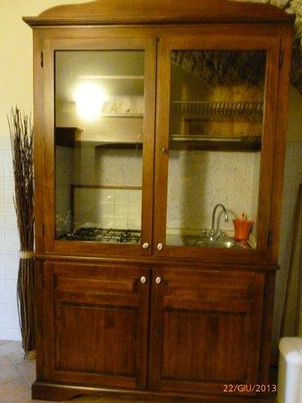 la cucina nell\'armadio - Foto di Torre dell\'Orsa, Gualdo Cattaneo ...