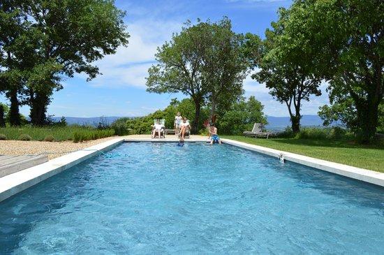 Une Sieste en Luberon : The wonderful pool