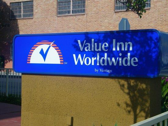 Value Inn Worldwide: het hotel