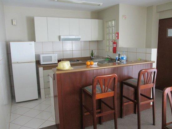 La Paz Apart Hotel: Kitchen